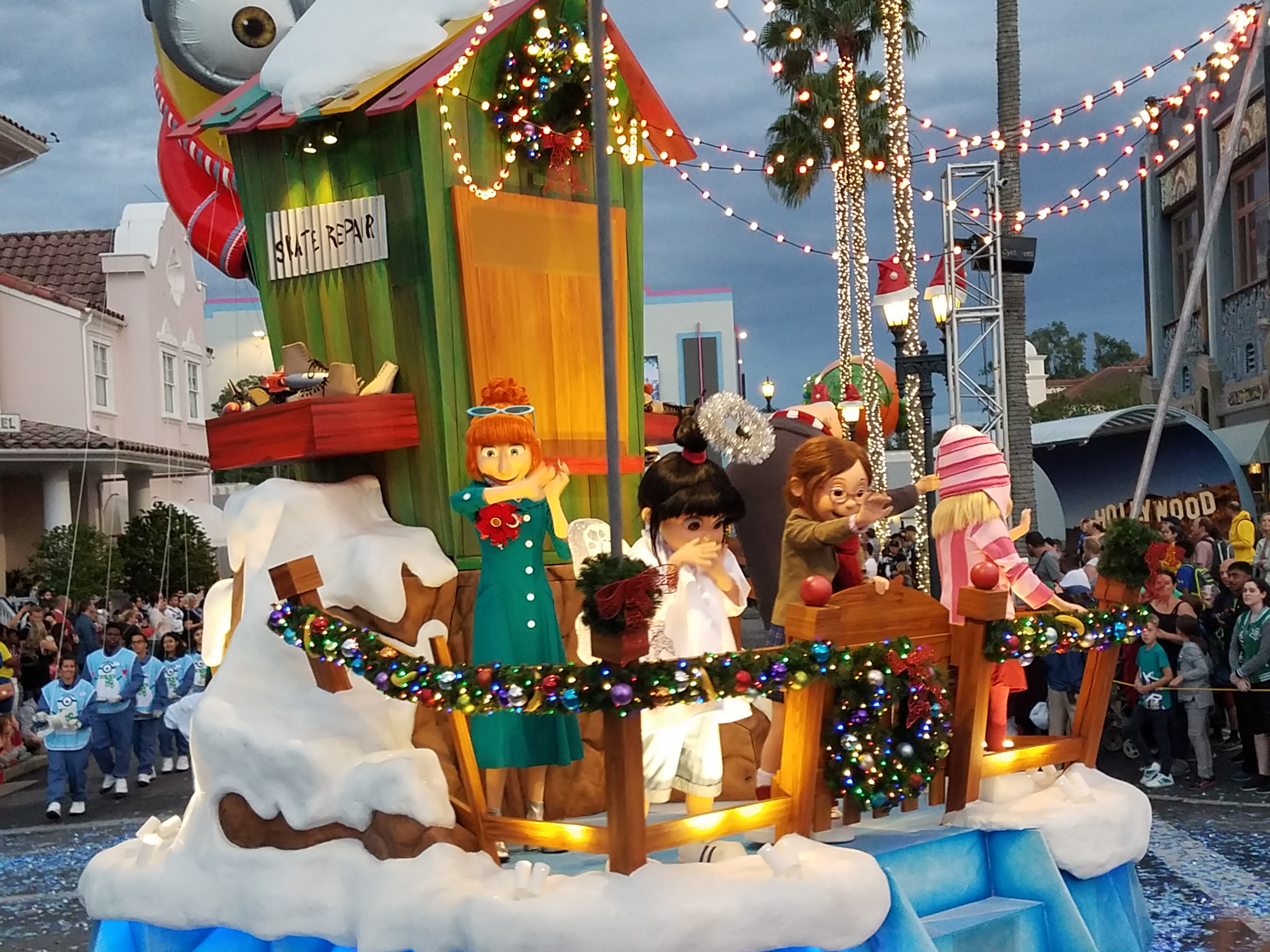 Universal Studios Christmas.It S Christmas At Universal Orlando Unofficial Universal